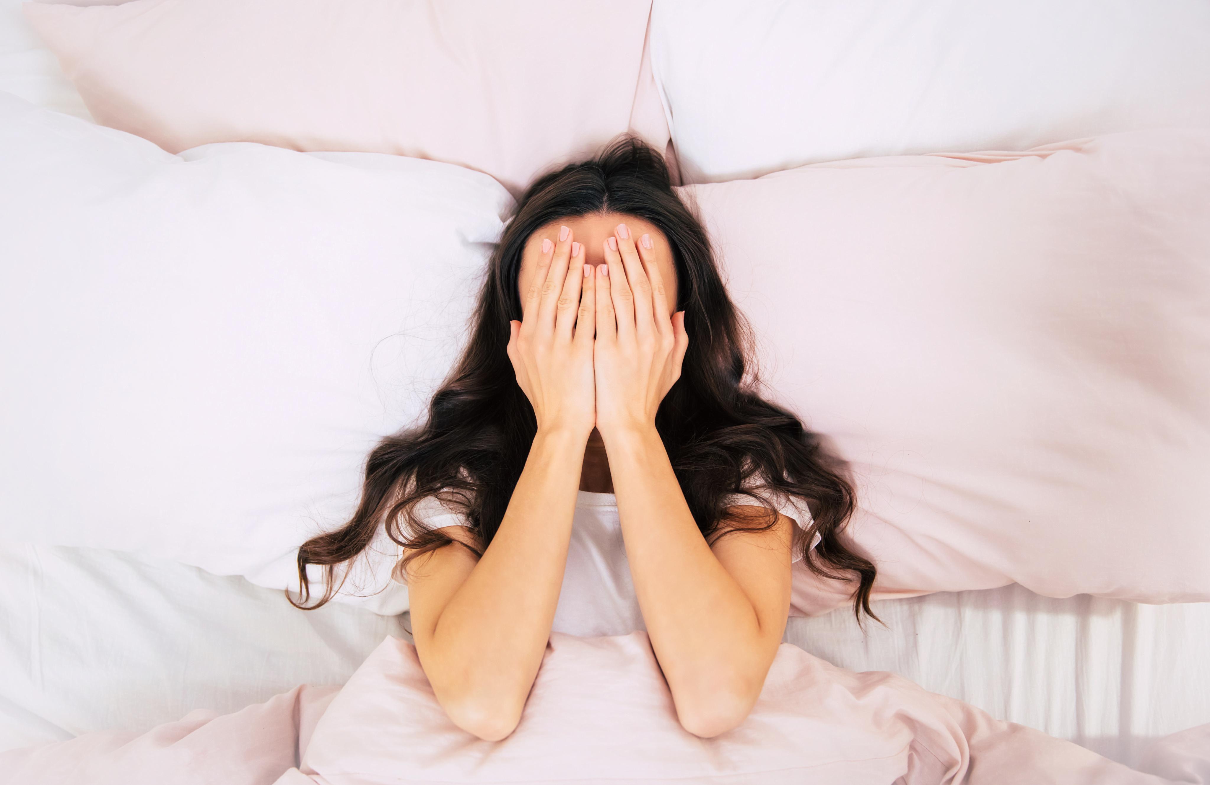 pierderea somnului cauzează creșterea în greutate
